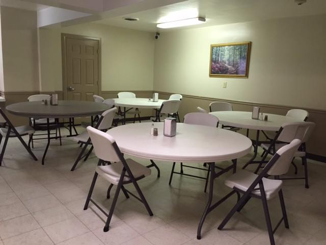 conewago-place-cafeteria3