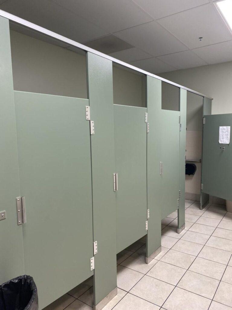 Snyder bathroom2