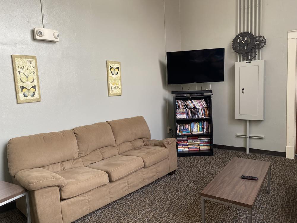 Snyder lounge2